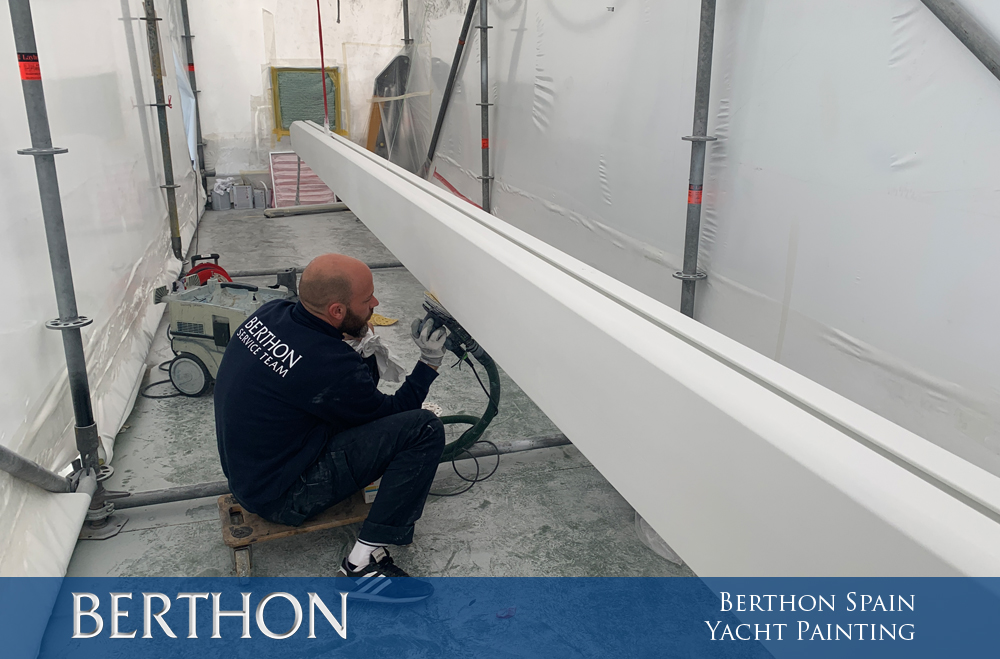 Berthon Spain gets the Yacht Paints Out